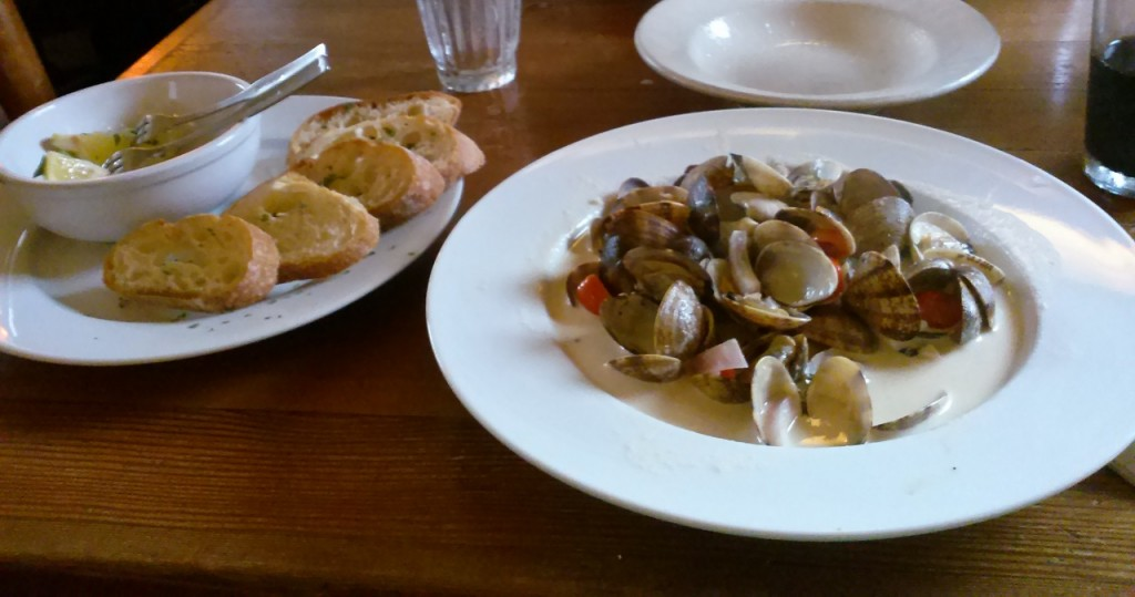 My dinner of steamers. So delicious.